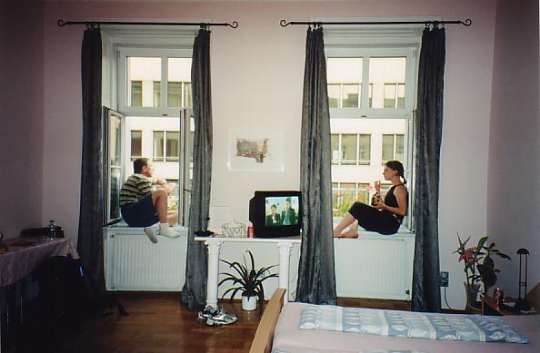 http://www.jreimer.com/old/travel/europe2002/Hotel%20in%20Vienna.JPG